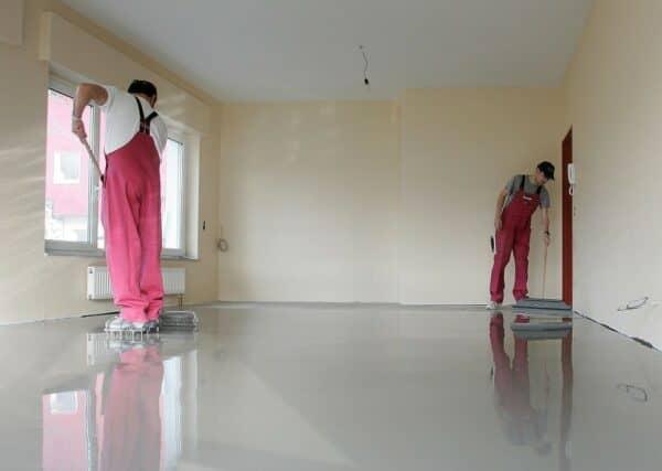 Как залить полы в квартире своими руками